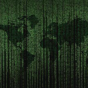 Mapa del mundo con código binario carátula de un capítulo de A Ciencia Cierta: Big data, el poder de los datos