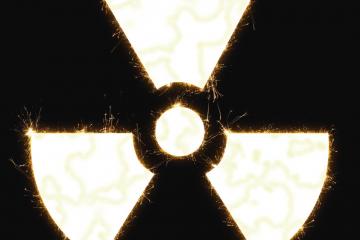 """Símbolo de """"peligro radioactivo"""" como carátula de un capítulo de A Ciencia Cierta: La energía Nuclear"""