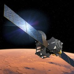 Representación del orbitador TGO sobre Marte (NASA) como portada del artículo: La fiebre del metano marciano.