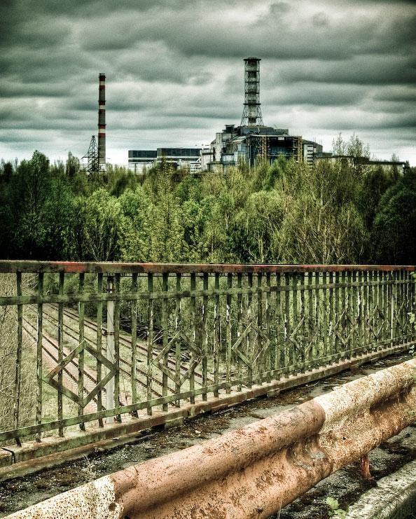 """El puente de la muerte en Chernobyl, (Fotografía de """"Arwen"""" en Pinterest)"""