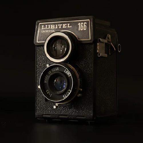 Cámara de vídeo antigua como portada del capítulo de a Ciencia Cierta: Cine y pandemias